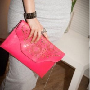 Cute Clutches & Wallets Party