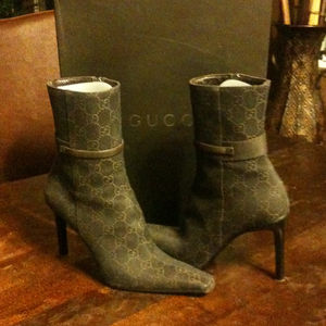 Shoes - Gucci booties