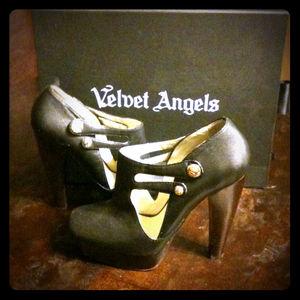 Shoes - Velvet Angels booties
