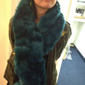 Outerwear - Fur stole