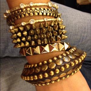 Jewelry - Pyramid stud bracelet