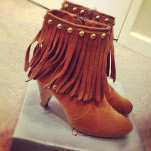 Shoes - Fringe booties