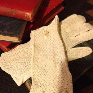 Accessories - Cream Vintage Lace Gloves With Pearl Detail