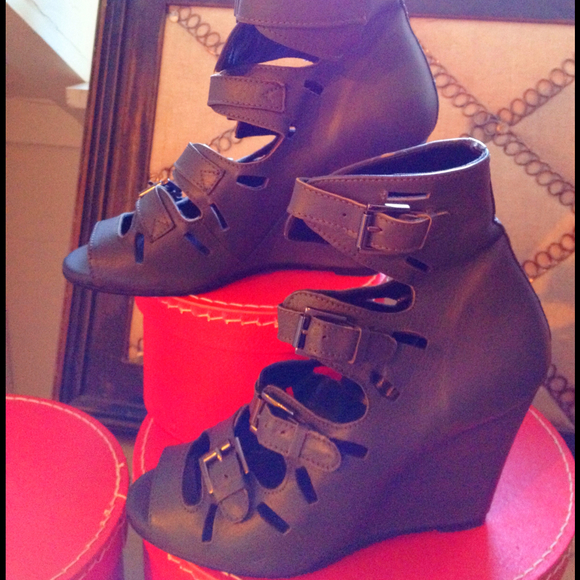 Surface to Air Shoes - Surface to Air Designer Buckle Ankle Boots