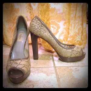 For @alecia-Valentino Lace Cutout Platform Pumps!
