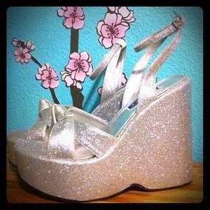 ✨Super sparkle platform glitter wedges ✨