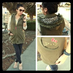 Tops - Hello Kitty cargo tunic