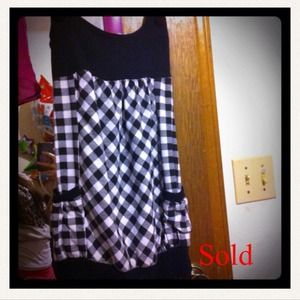 Dresses & Skirts - 🙅SOLD🙅*REDUCED PRICE* Black checkered dress