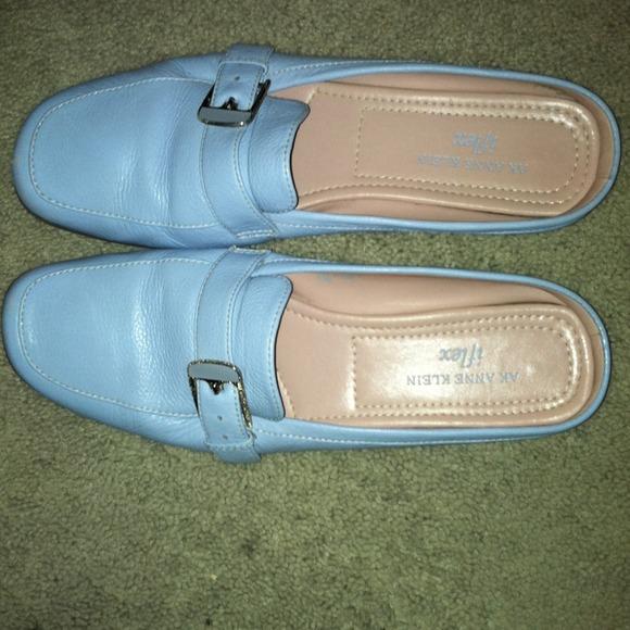AK Anne Klein iflex flat shoes
