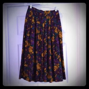 Dresses & Skirts - Vintage Purple Skirt