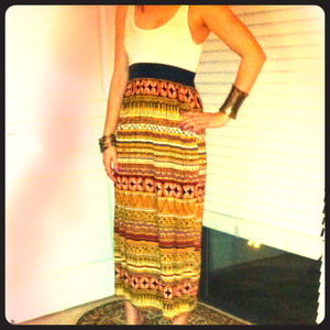 Dresses & Skirts - Tribal print maxi dress
