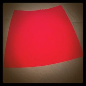 Red mini w/three side pleats