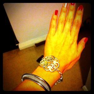 Jewelry - Classic Filgeree Bracelet.
