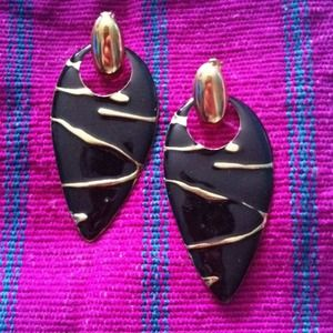Arrowhead earrings- black- RESERVED
