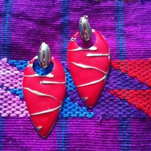 Arrowhead earrings- red