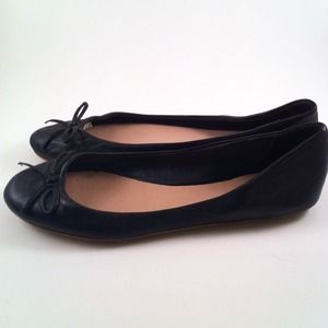 Zara Shoes - Zara black ballet flats