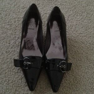 Joan & David patent leather pumps
