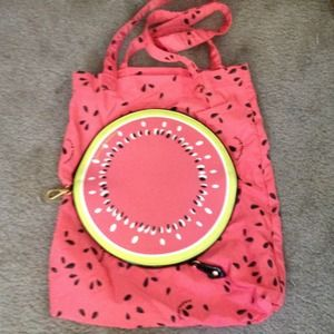 Juicy Couture Handbags - 💗💗REDUCED💗💗JUICY SHOPPING TOTE.