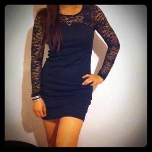 Dresses & Skirts - Black floral lace dress
