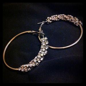 Accessories - Spiral crystal hoop earrings