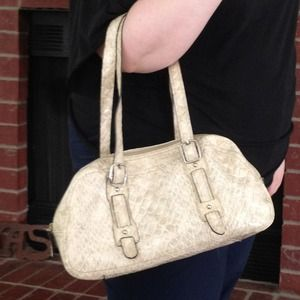 MX Handbags - Crocodile skin style cream purse