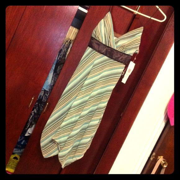 Dresses & Skirts - NWT Spring Dress