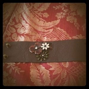 noir jewelry leather cuff