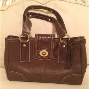 Coach Handbags - RESERVED! NEW COACH PURSE👜