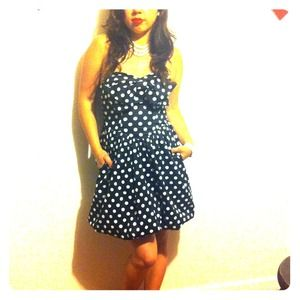 Betsey Johnson Dresses & Skirts - Betsey Johnson Pin-Up polka dot dress with bow