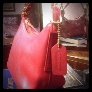 Coach Handbags - 💋Red Coach purse.