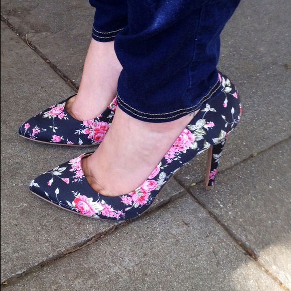 ASOS Shoes - *Reduced price*Amazing Floral Pumps! 2