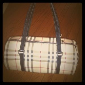 Burberry Handbags - RESERVED-AUTHENTIC Burberry nova check barrel bag