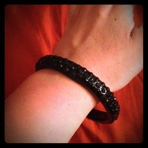 Jewelry - Black sparkle bangle bracelet
