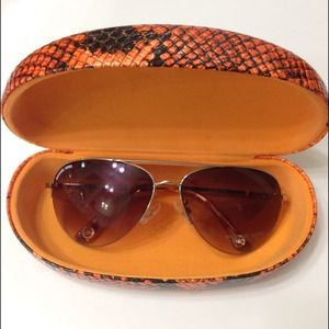 Michael Kors Accessories - Michael Kors gansevoort sunglasses
