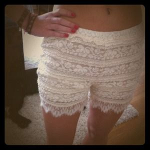 Lulu's Other - Lace shorts