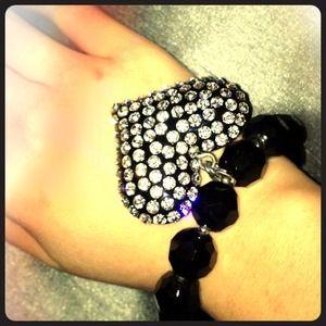 Jewelry - Heart shaped rhinestone bracelet