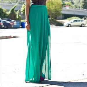 Skirts - Green long pleated skirt