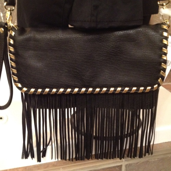 ~Reduced!~👜Steve Madden fringed clutch/purse