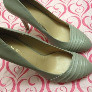 Reduced! Must have!!! 👠Nine West👠Cream pumps