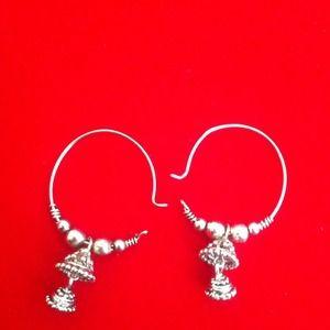 Jewelry - Little dangling earrings