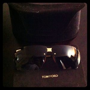 Tom Ford Accessories - HOLD!NEW Tom Ford sunglasses with leather details