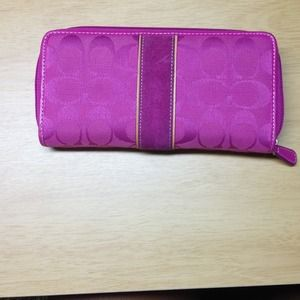 Coach Clutches & Wallets - Zip wallet