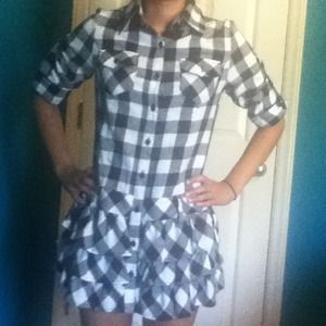 Dresses & Skirts - Reduced Plaid dress