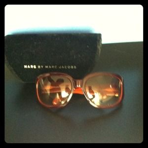 Marc Jacobs Sunnies!!!