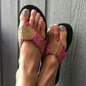 Derin  Shoes -  Reduced Again! from $14 to $9! Derin flip-flops