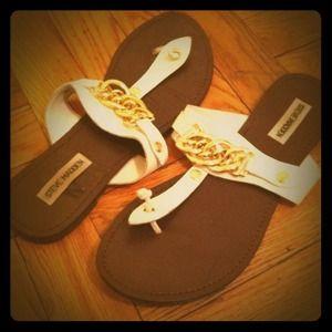 Steve Madden White & Gold Sandals