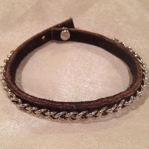 Jewelry - Leather bracelet with chain detail