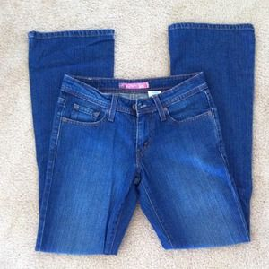 Levi's Denim - RESERVED @traceyj Levi's Superlow Bootcut 518