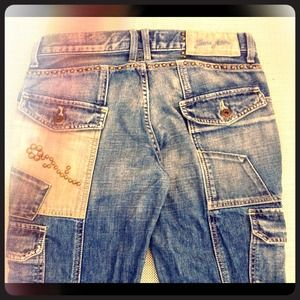 ✂REDUCED✂GUESS JEANS XTRA STUDS  DETAILS & POCKETS