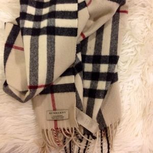 🔒Authentic Cashmere Burberry scarf